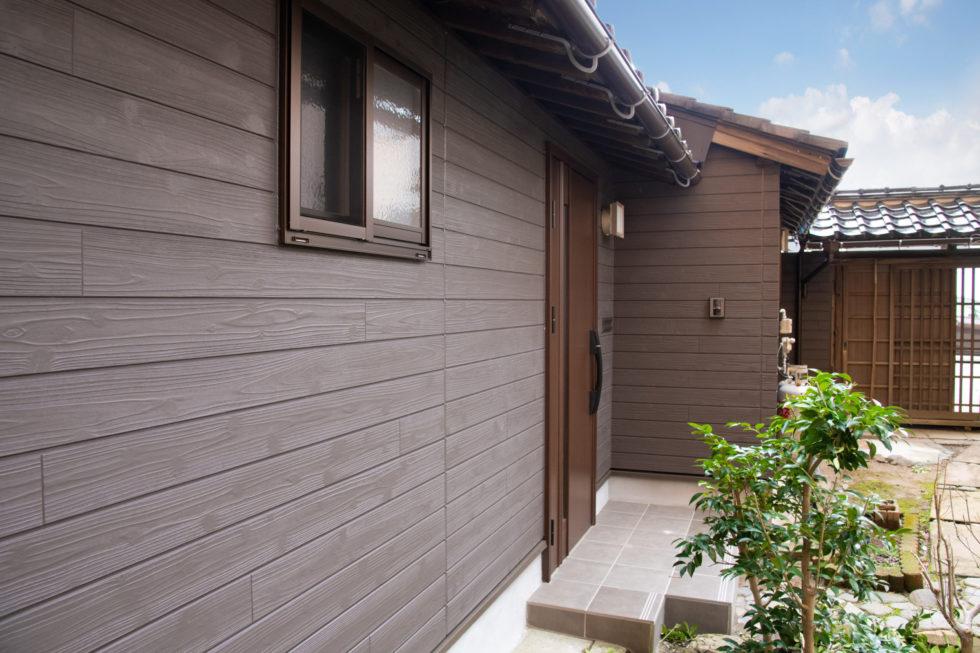 「安全で現代らしく」住みつづけるための金澤町家–1